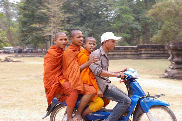 cambodia2013greeting19